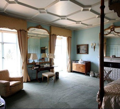 downtown abbey bedroom